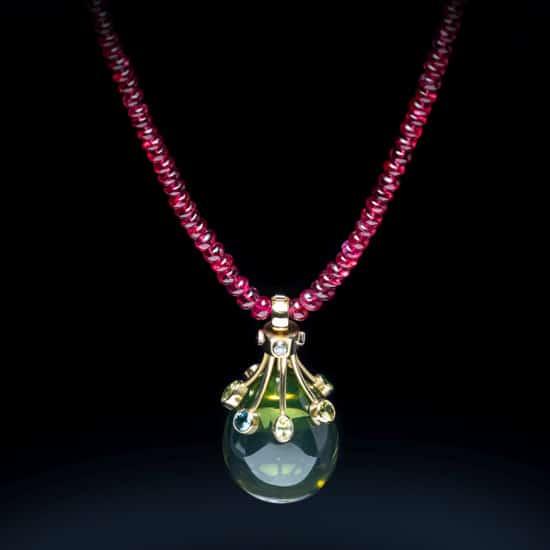 Jewellery_James_Fairhurst_Green_Amber_Teardrop_Necklace_WebAdobe