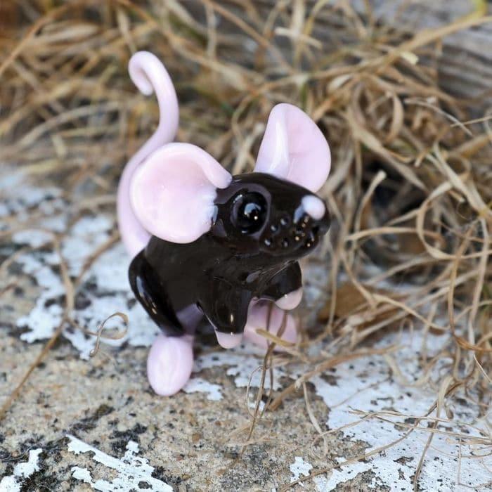 Glass_Elizabeth_Welch_Mouse