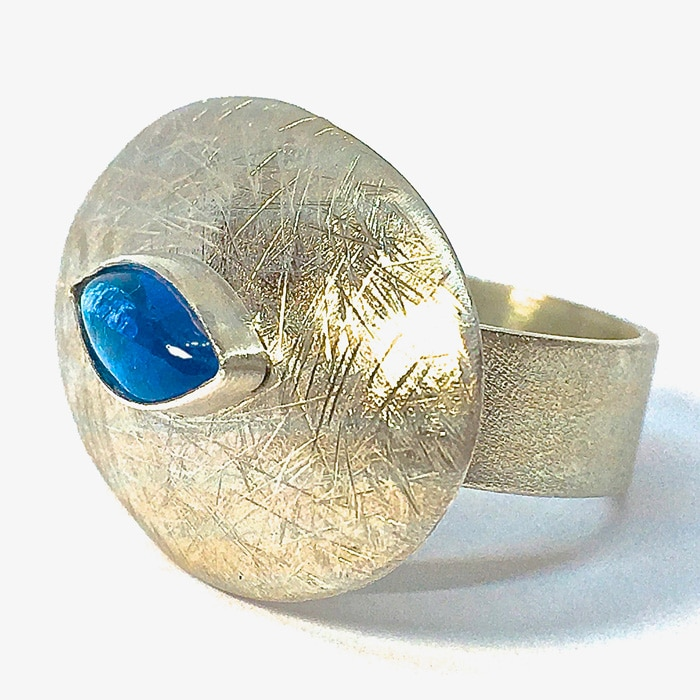 Jewellery-Bee-Sanderson-Silver-Ring-with-Apatite