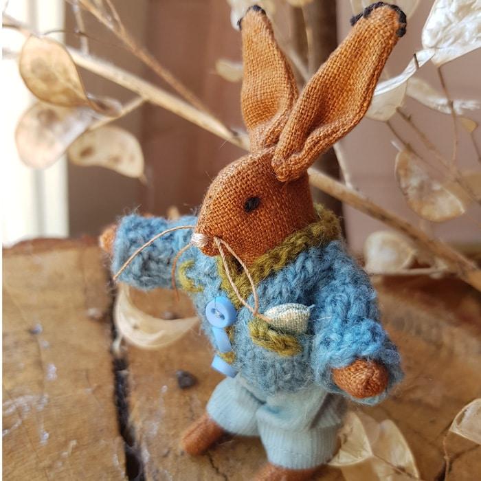 Textiles-Sarah-Dudley-Braken-Hare